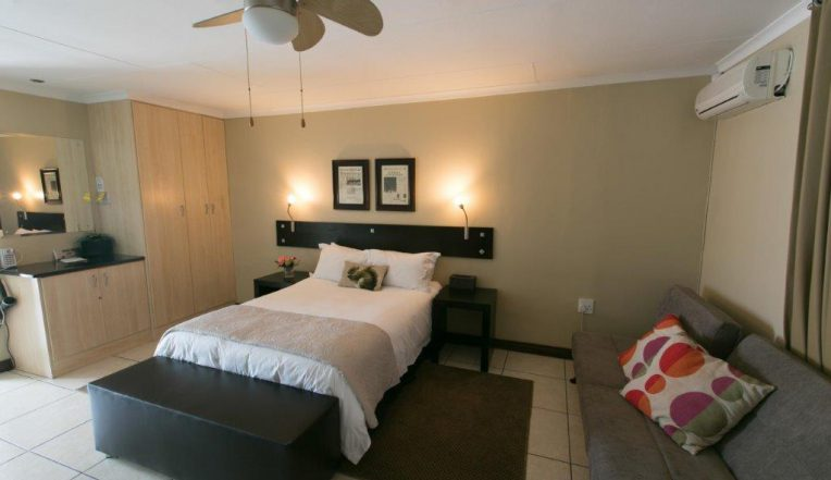 Perfek Stay Guest House Bedroom