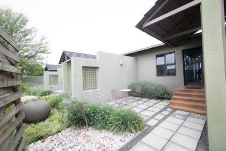 Perfek Stay Guest House Garden